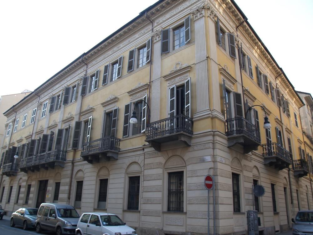 Restauro - Via della Rocca, Torino